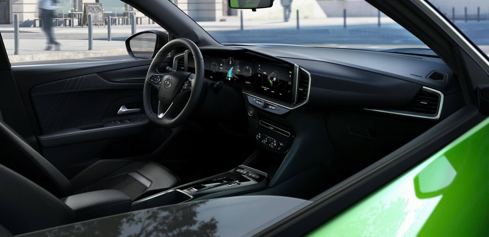 Opel Pure Panel: горизонтально растянутая приборная панель объединяет два широкоэкранных дисплея
