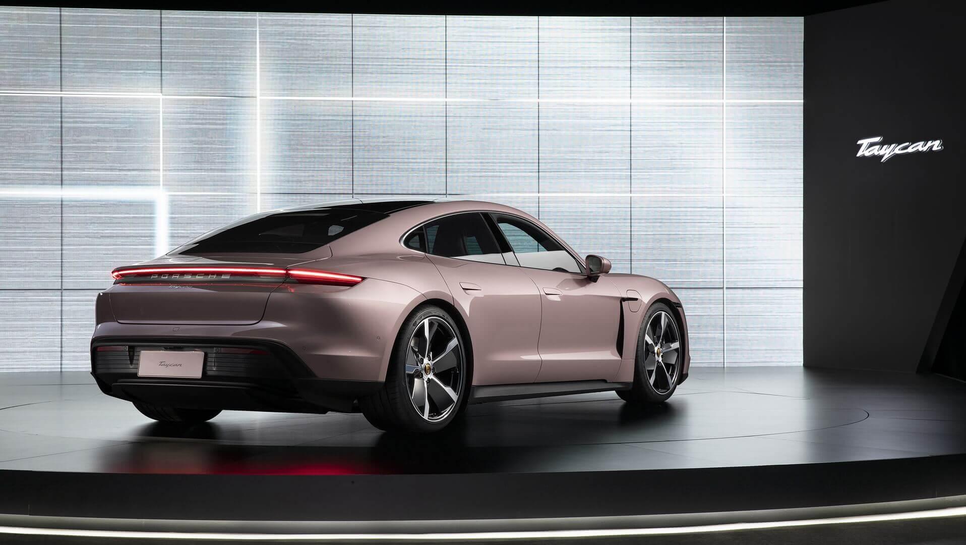 Porsche представляет базовую заднеприводную версию Taycan в Китае