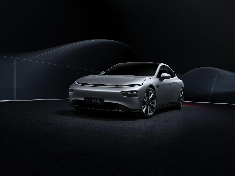 Высокотехнологичный электрический седан Xpeng P7