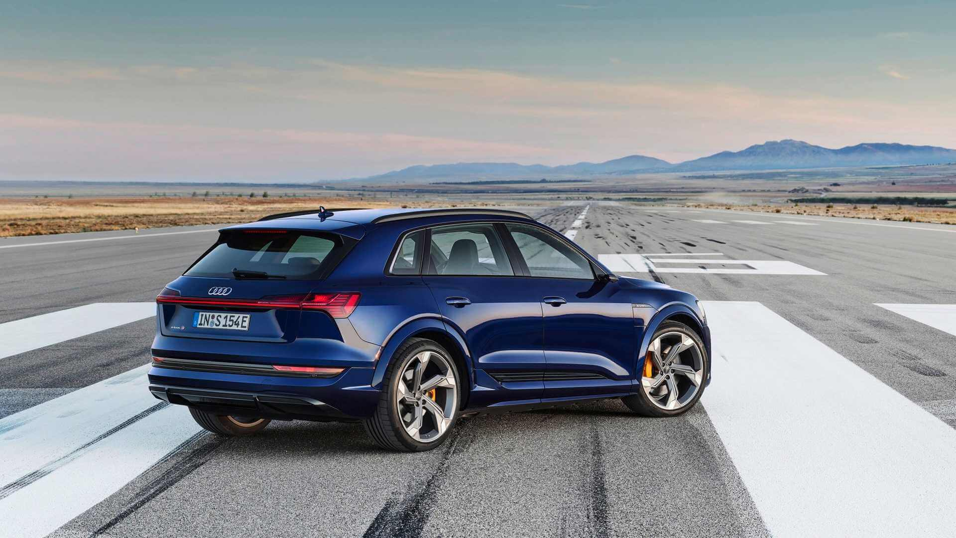 Фотография экоавто Audi e-tron S - фото 4