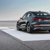 Фотография экоавто Audi e-tron S Sportback - фото 3