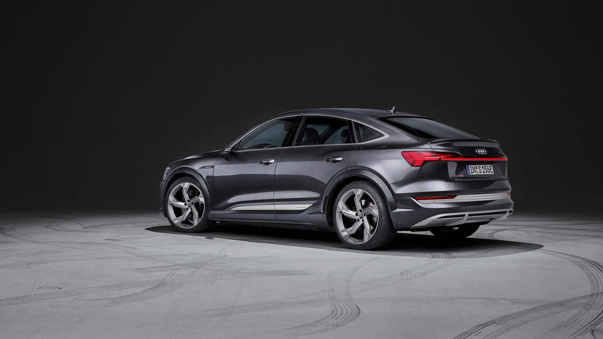 Фотография экоавто Audi e-tron S Sportback - фото 2