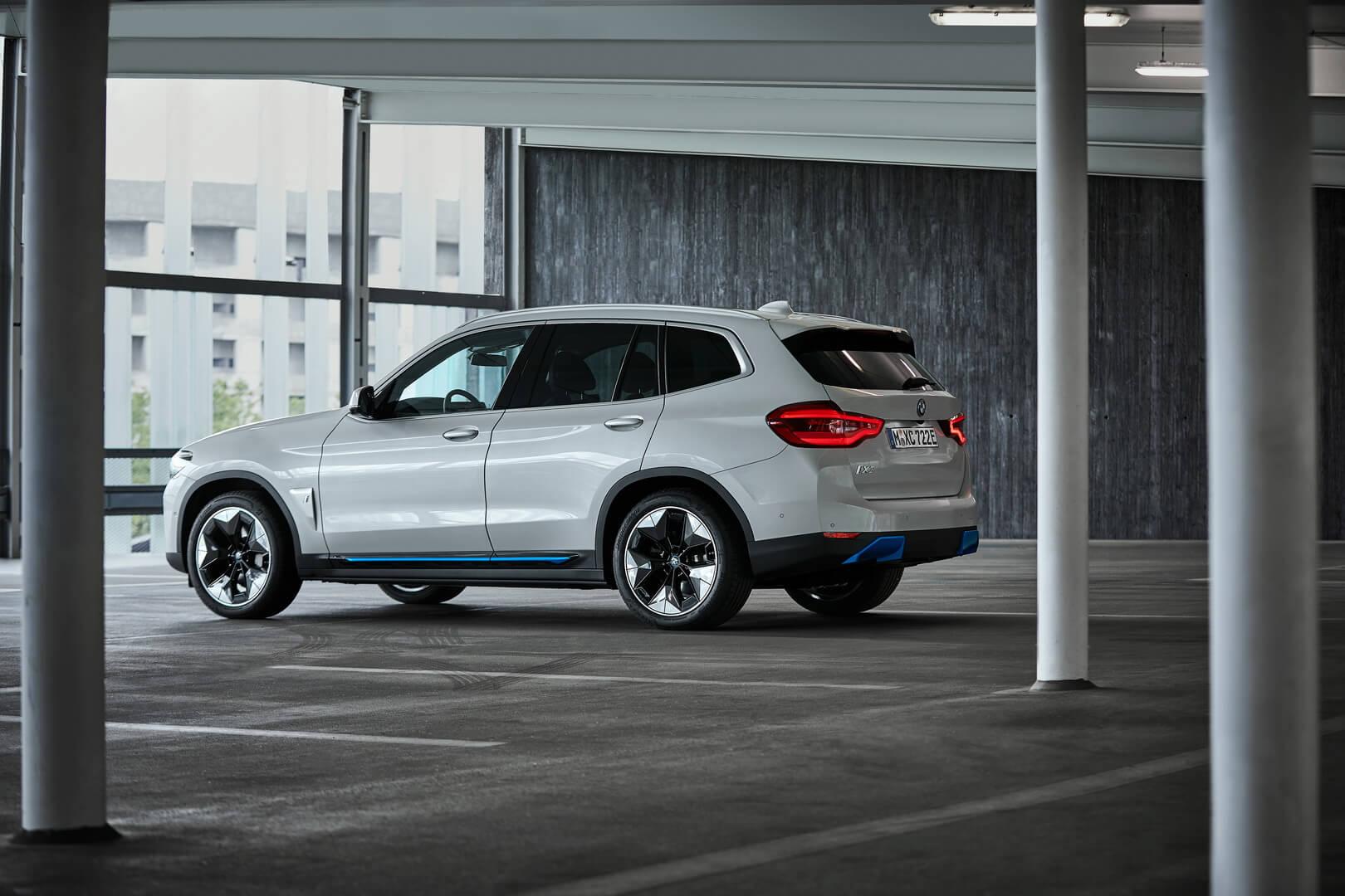 Фотография экоавто BMW iX3 - фото 6