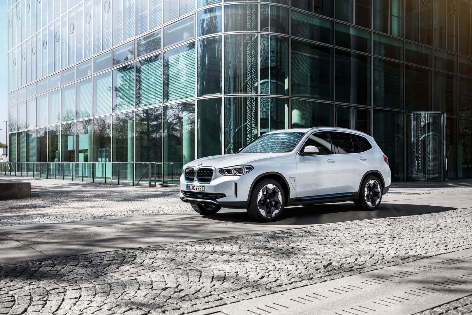 Фотография экоавто BMW iX3 - фото 20