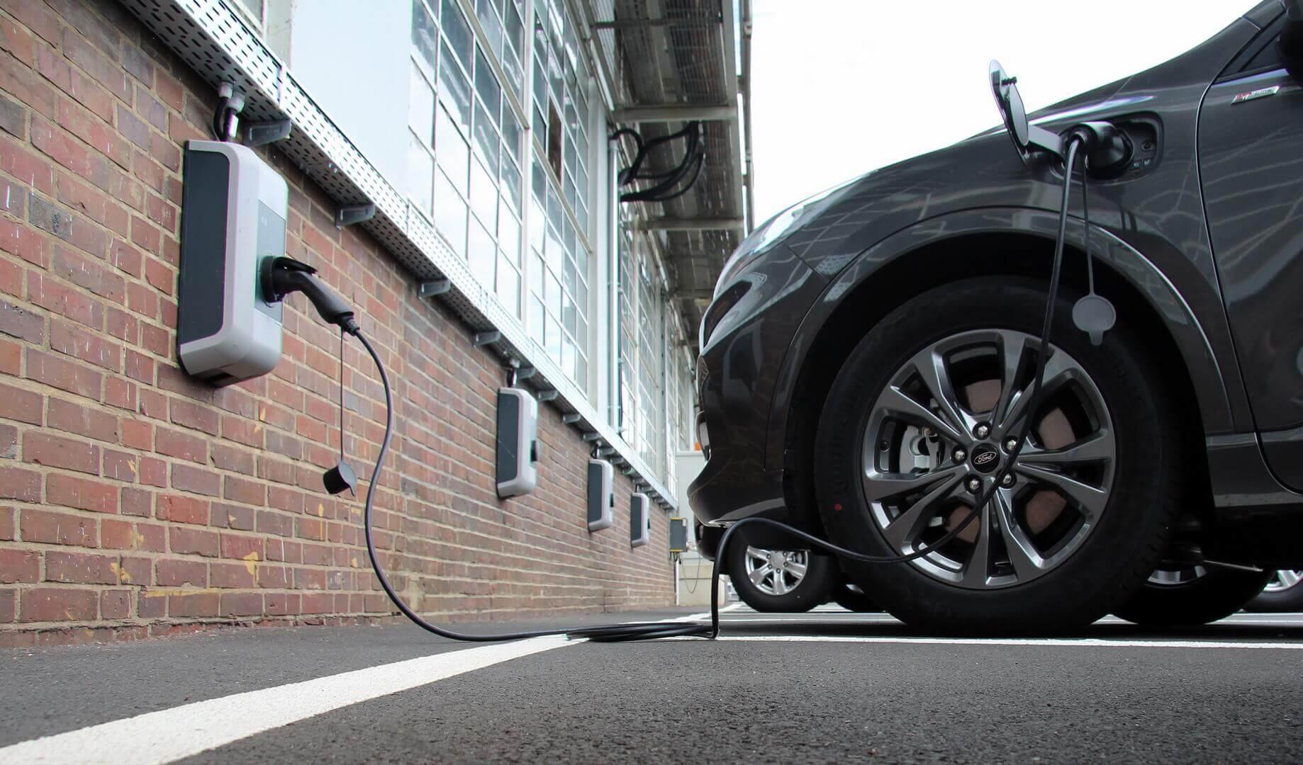 Ford развивает зарядную инфраструктуру в Европе