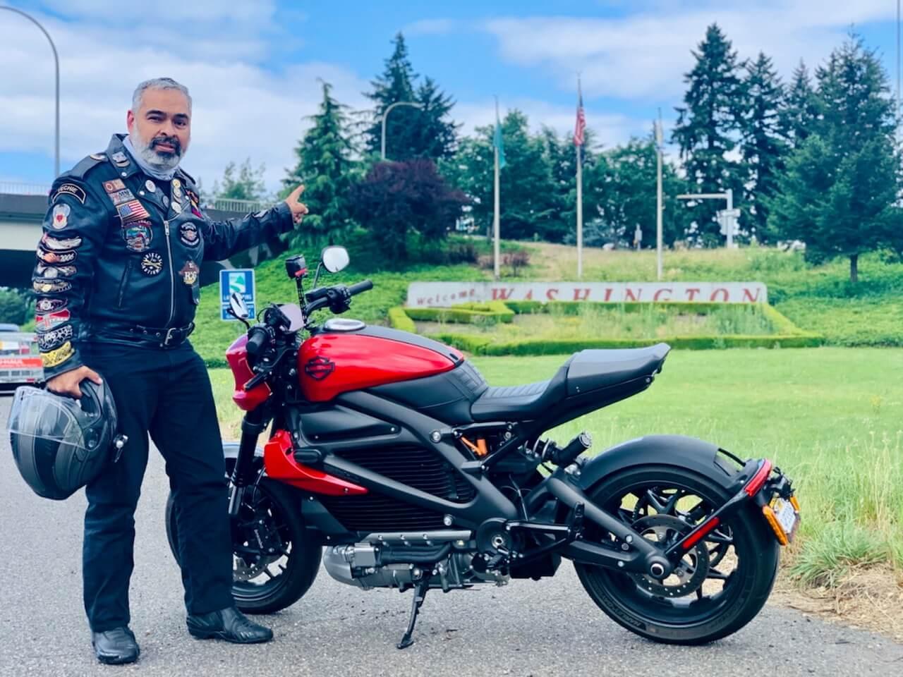 Диего Карденас успешно проехал 2250 км по США на электрическом мотоцикле Harley-Davidson LiveWire