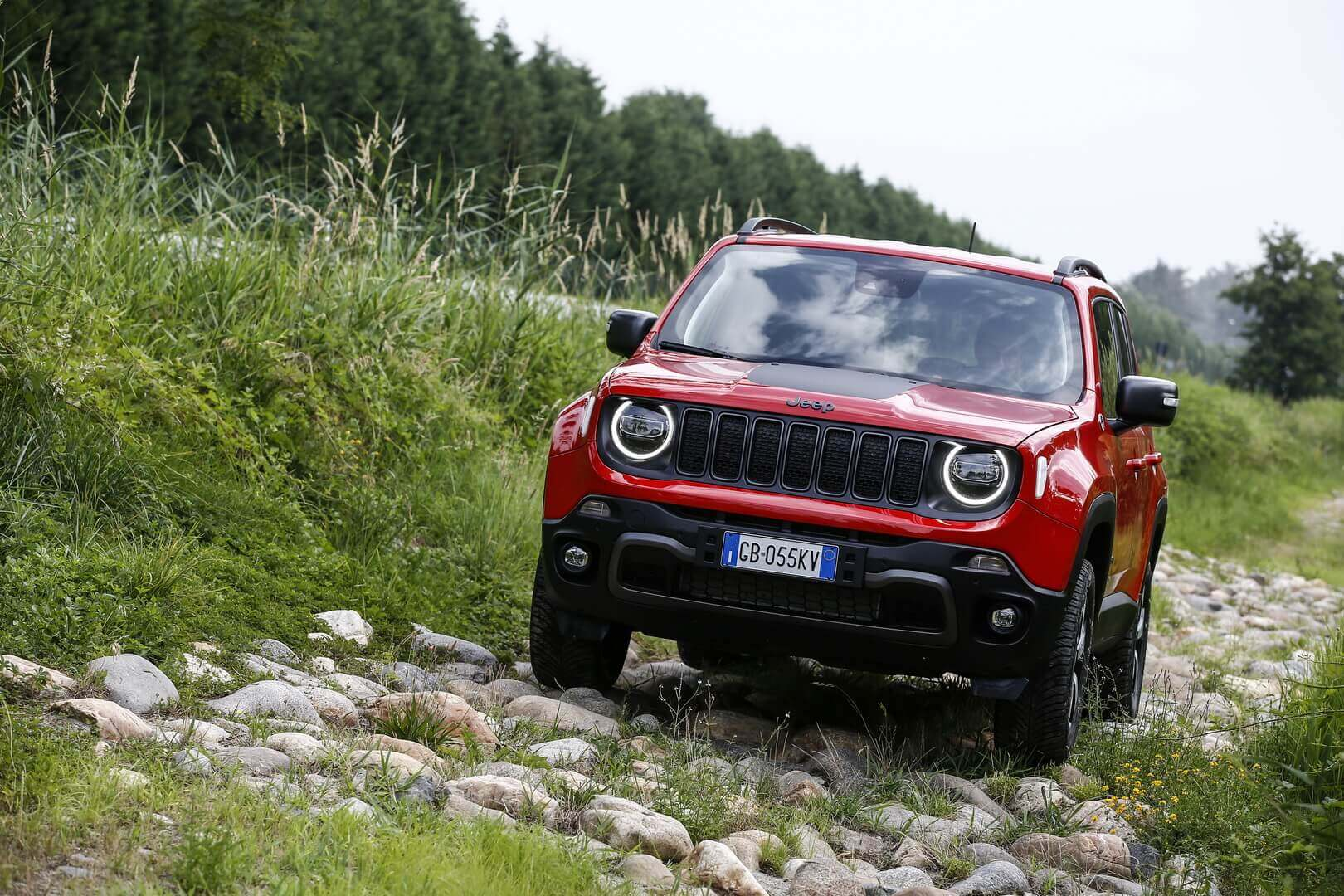 Фотография экоавто Jeep Renegade 4xe - фото 10