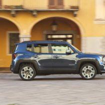 Фотография экоавто Jeep Renegade 4xe - фото 16
