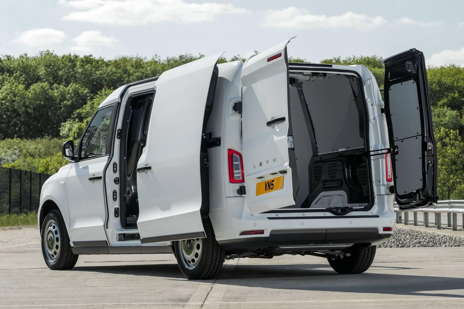 Фургон LEVC VN5 может проехать 93 км в полностью электрическом режиме