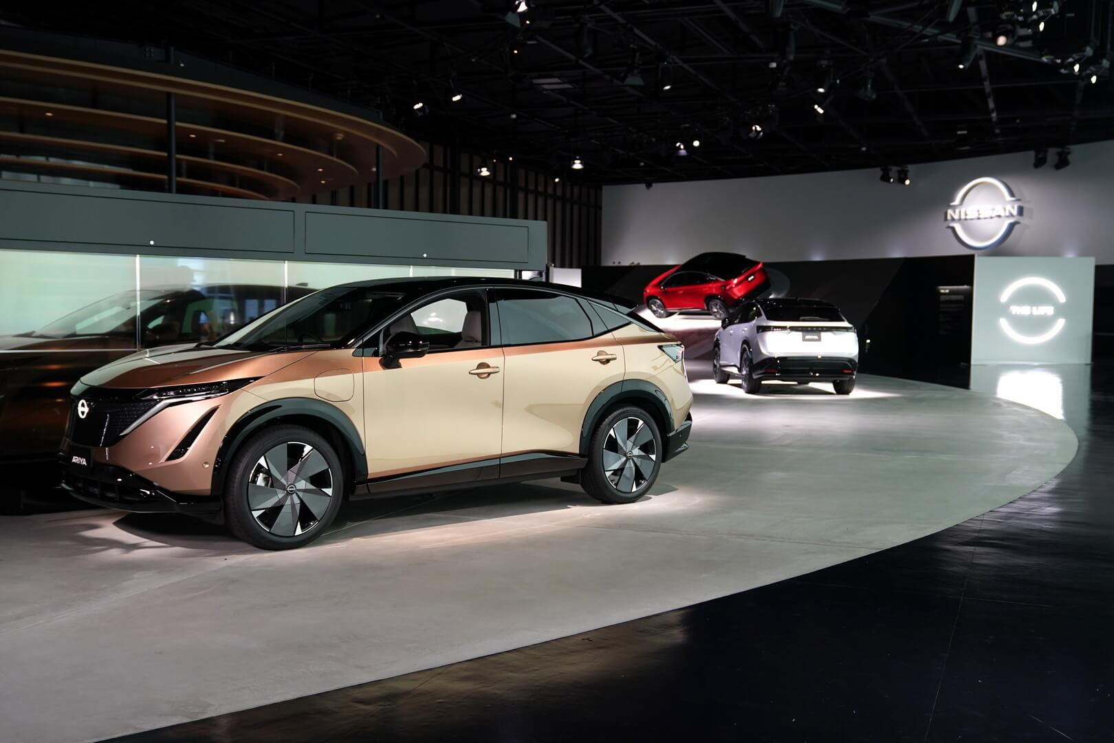 Электрический кроссовер-купе Nissan Ariya