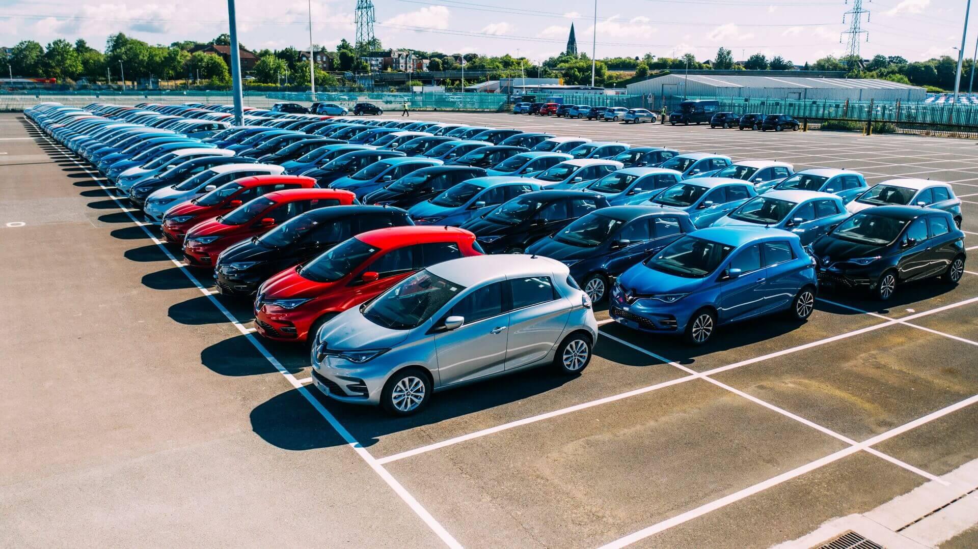 Renault заключил рекордную сделку на электромобили ZOE в Великобритании