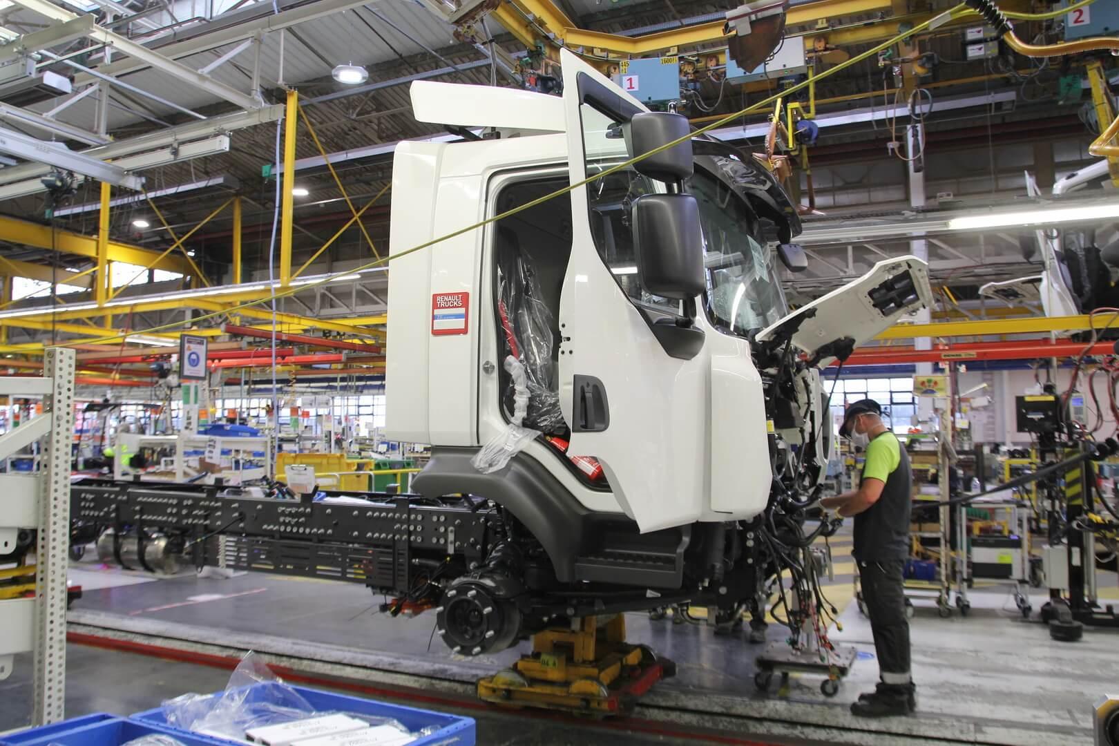 Производство электрогрузовика Renault DZE