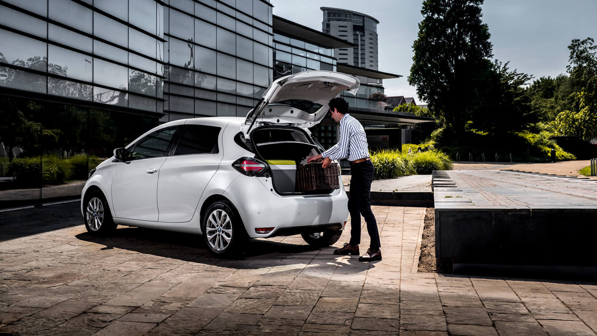 Электрический хэтчбек Renault ZOE превратили в компактный фургон