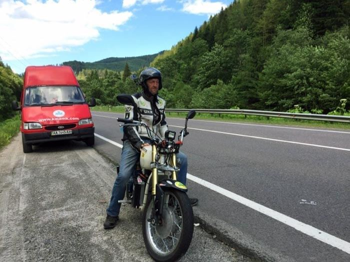 Рекордсмен скорости Сергей Малик на электрическом мотоцикле Dnepr Electric