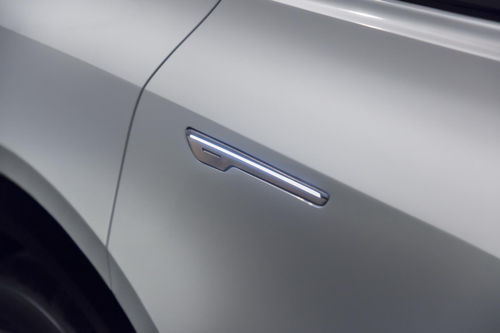 Фотография экоавто Cadillac LYRIQ - фото 4