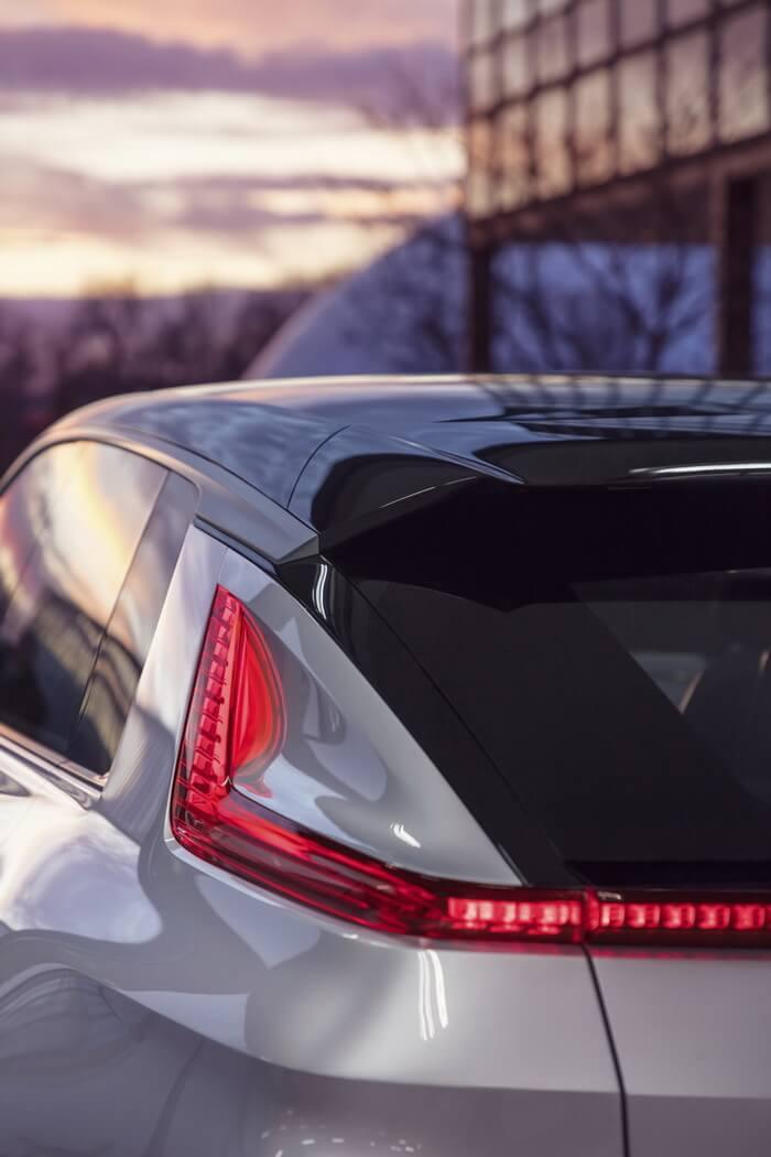 Фотография экоавто Cadillac LYRIQ - фото 5