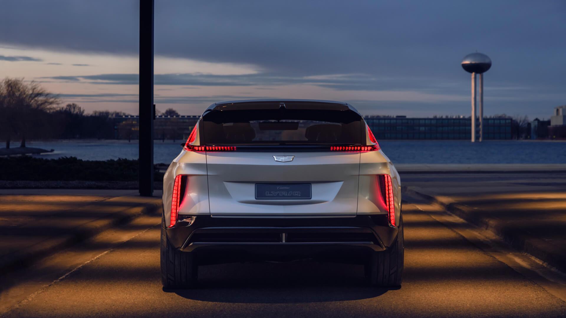 Фотография экоавто Cadillac LYRIQ - фото 14