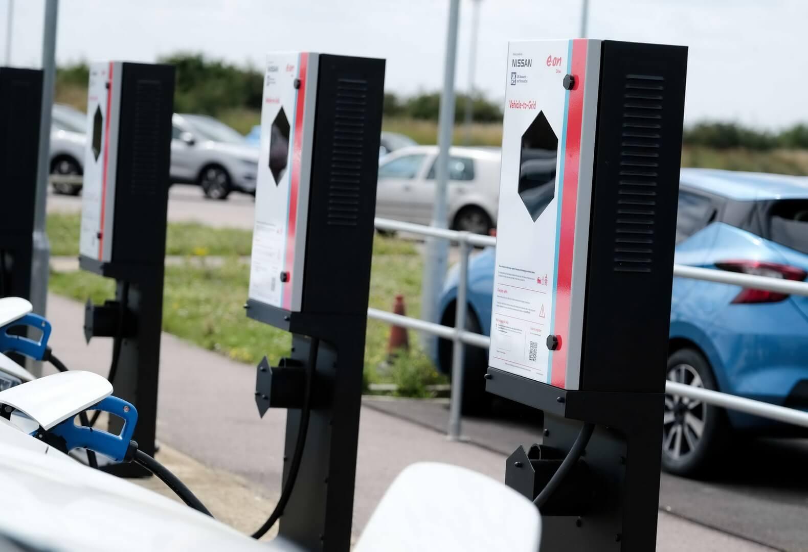 E.ON и Nissan установили 20 зарядных устройств для подключения к электросети (V2G) в Великобритании