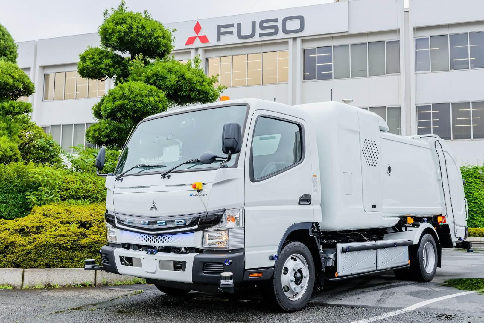 Полуавтономный электрический мусоровоз FUSO eCanter SensorCollect