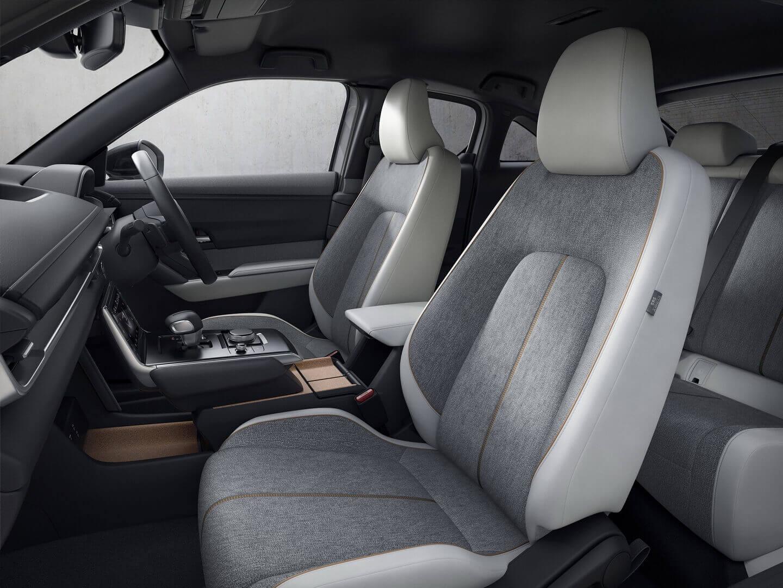 Фотография экоавто Mazda MX-30 «M HYBRID» - фото 7