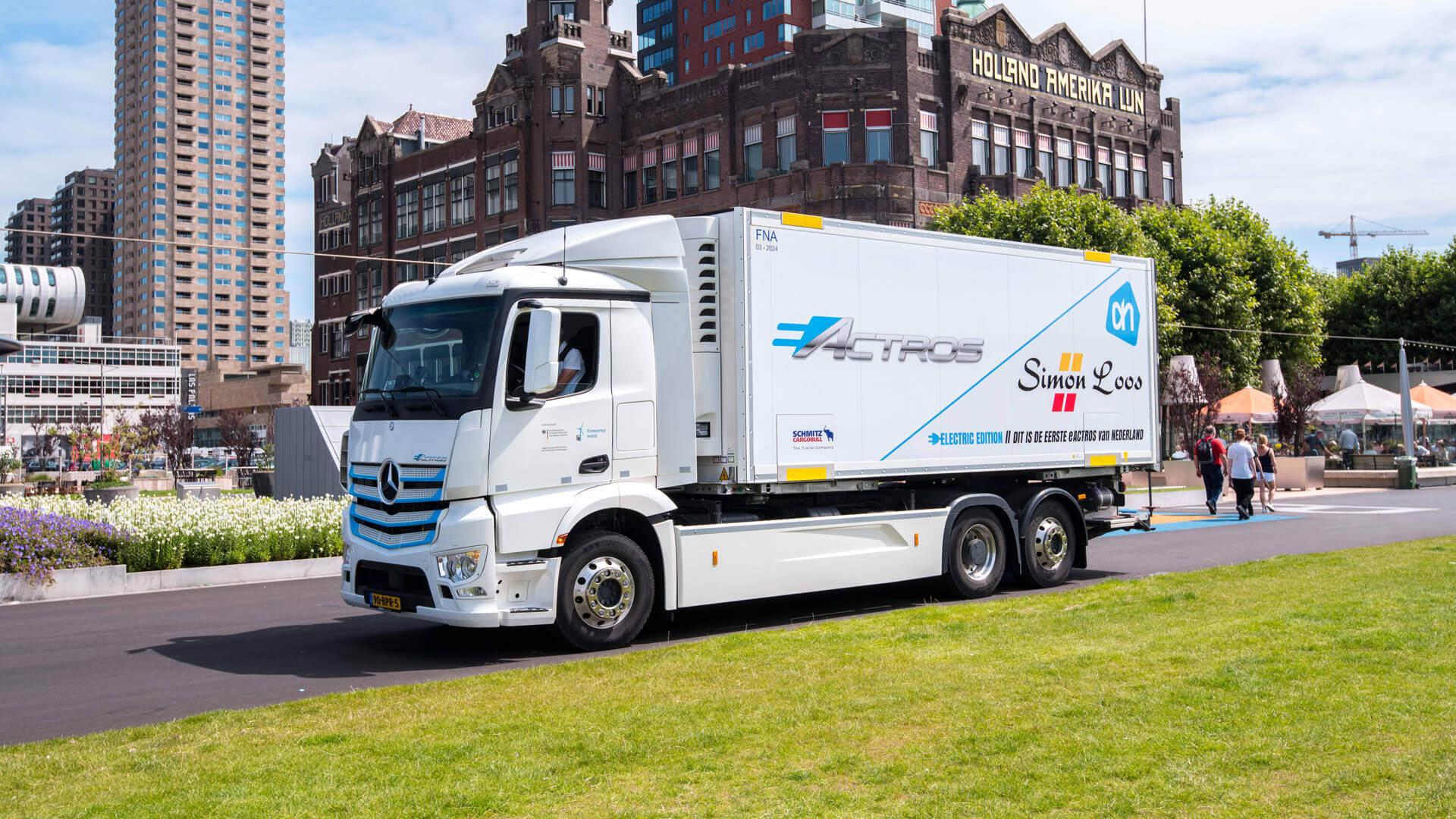 Электрический грузовик Mercedes-Benz eActros