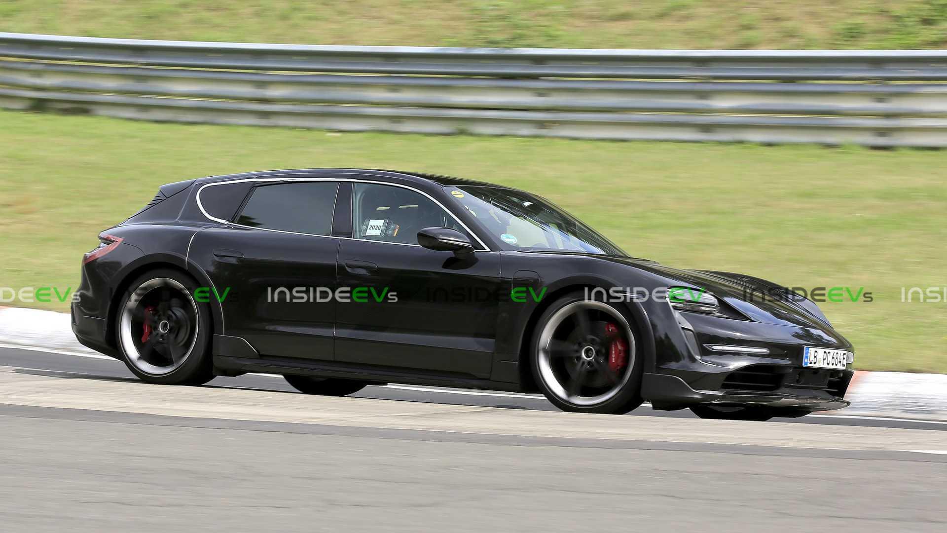 Porsche Taycan Cross Turismo был замечен с минимальным камуфляжем на Нюрбургринге