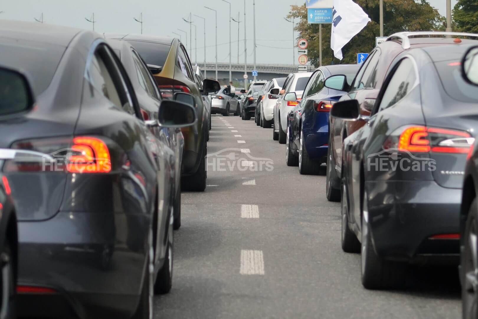 Самый крупный автопробег электромобилей Tesla в Украине