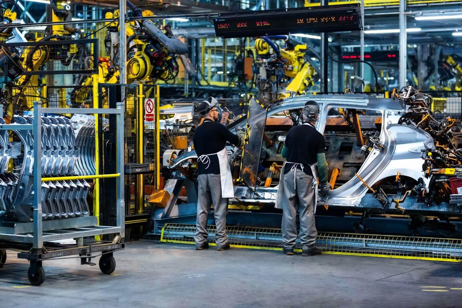 Nissan выпустил полумиллионный LEAF, произведенный на заводе в Сандерленде
