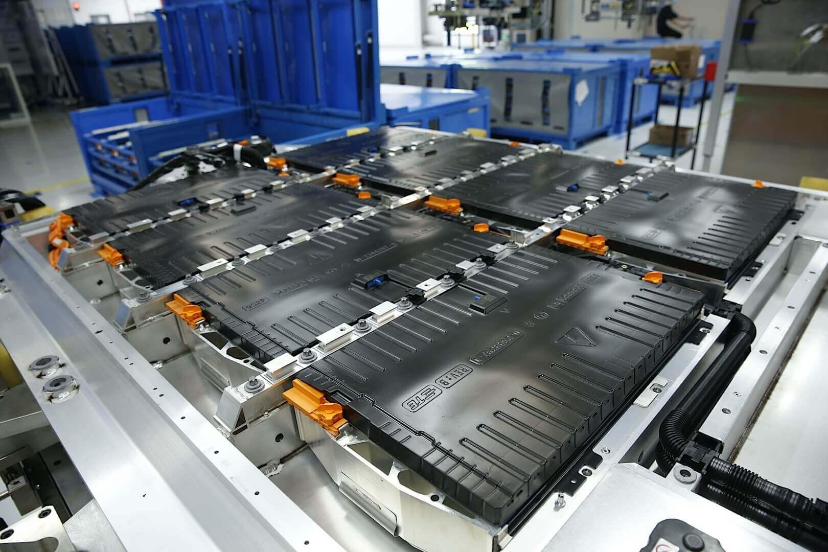BMW Brilliance Automotive запускает производство аккумуляторов для iX3 в Китае