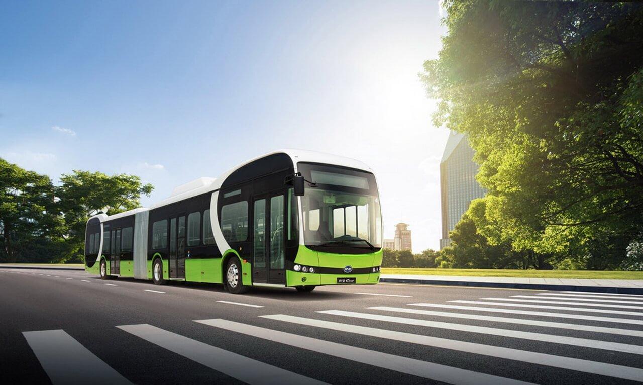 Сочлененный 18-ти метровый электрический автобус BYD