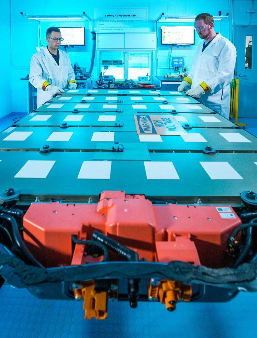 General Motors станет первым автопроизводителем, который будет использовать почти полностью беспроводную систему управления аккумулятором
