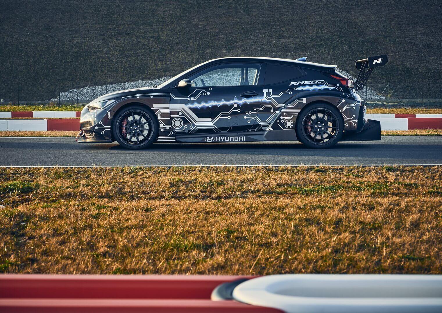 Hyundai RM20e — электрический суперхэтчбек мощностью 810 л.с. и разгоном до сотни менее чем за 3 секунды