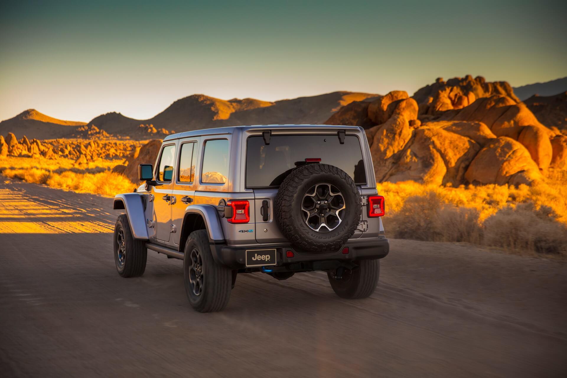 Фотография экоавто Jeep Wrangler 4xe - фото 2