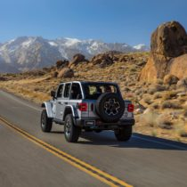 Фотография экоавто Jeep Wrangler 4xe - фото 13