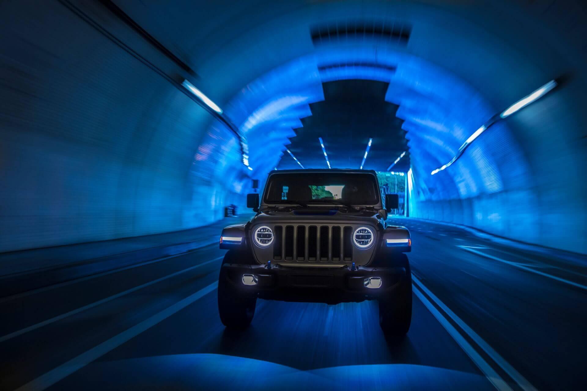 Фотография экоавто Jeep Wrangler 4xe - фото 9