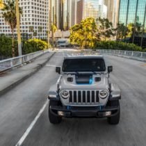 Фотография экоавто Jeep Wrangler 4xe - фото 8