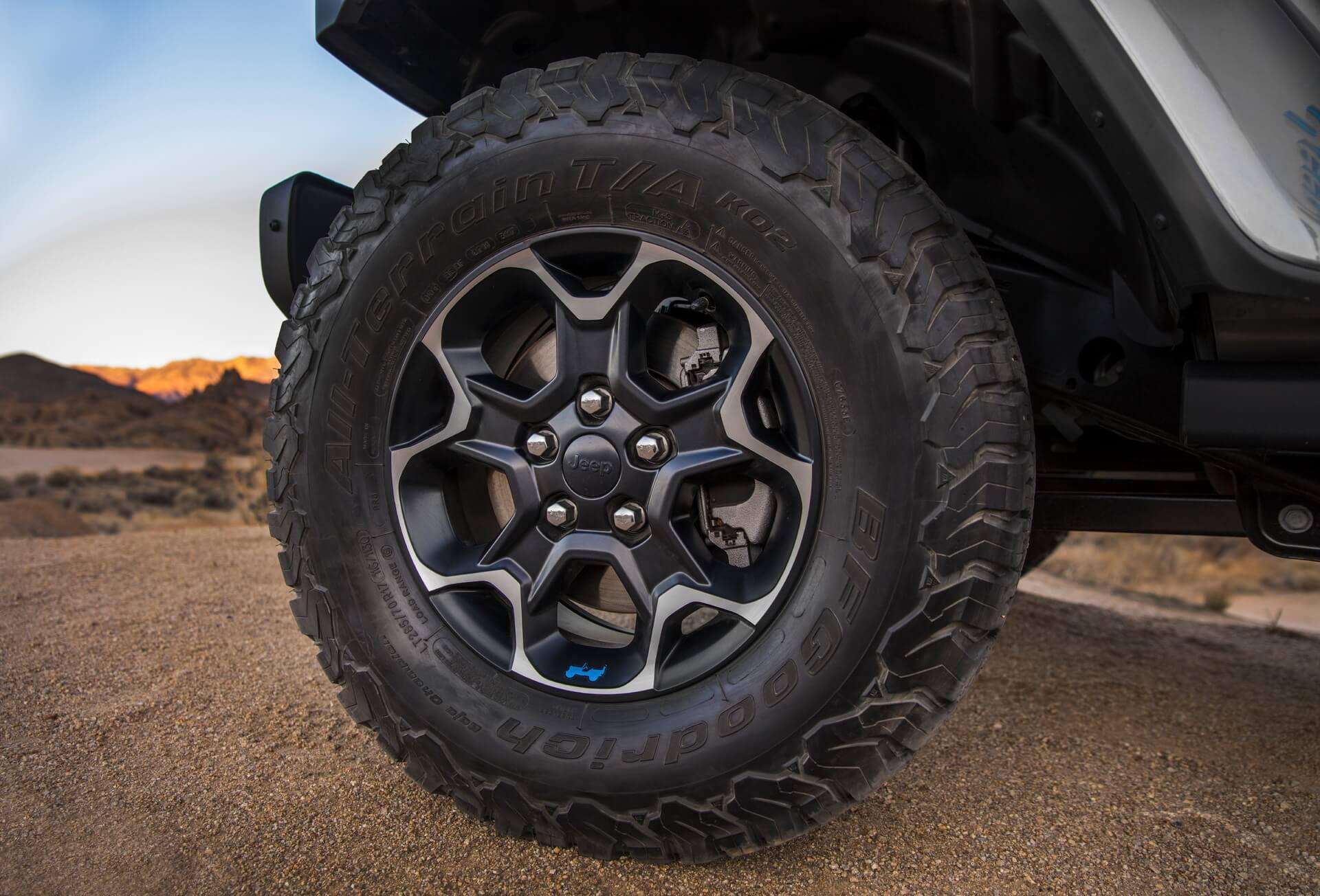 Фотография экоавто Jeep Wrangler 4xe - фото 23