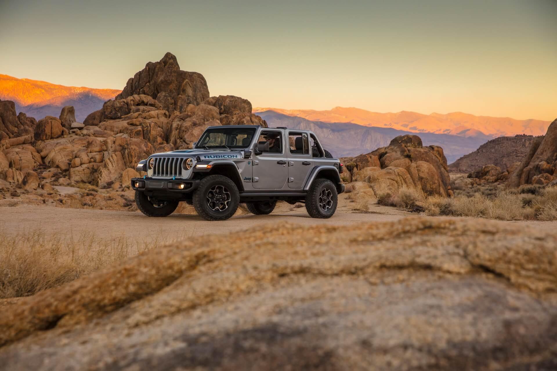 Фотография экоавто Jeep Wrangler 4xe - фото 20