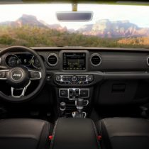 Фотография экоавто Jeep Wrangler 4xe - фото 26