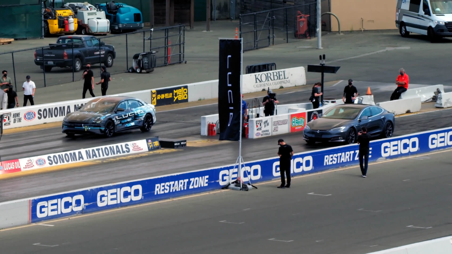 Lucid Air обогнал Tesla Model S в гонке на четверть мили с результатом 9,9 секунды