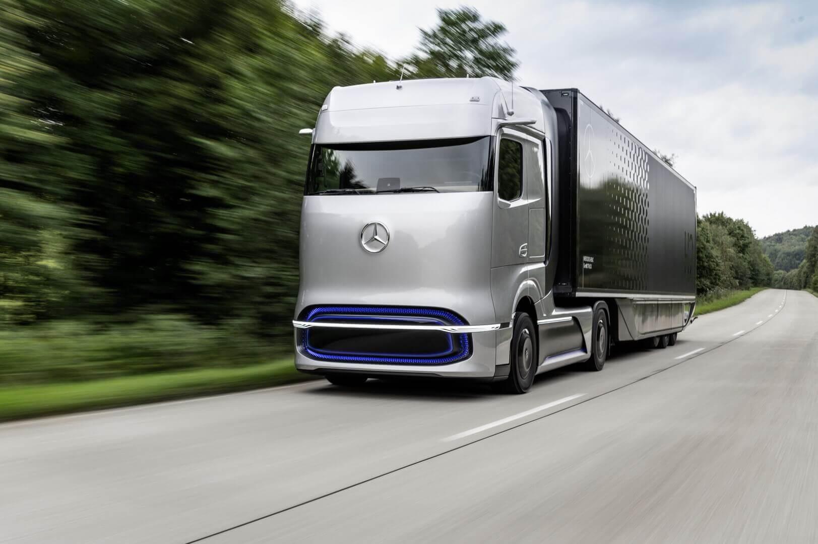 Концептуальный грузовик на топливных элементах Mercedes-Benz GenH2 Truck с запасом хода 1000 км и более