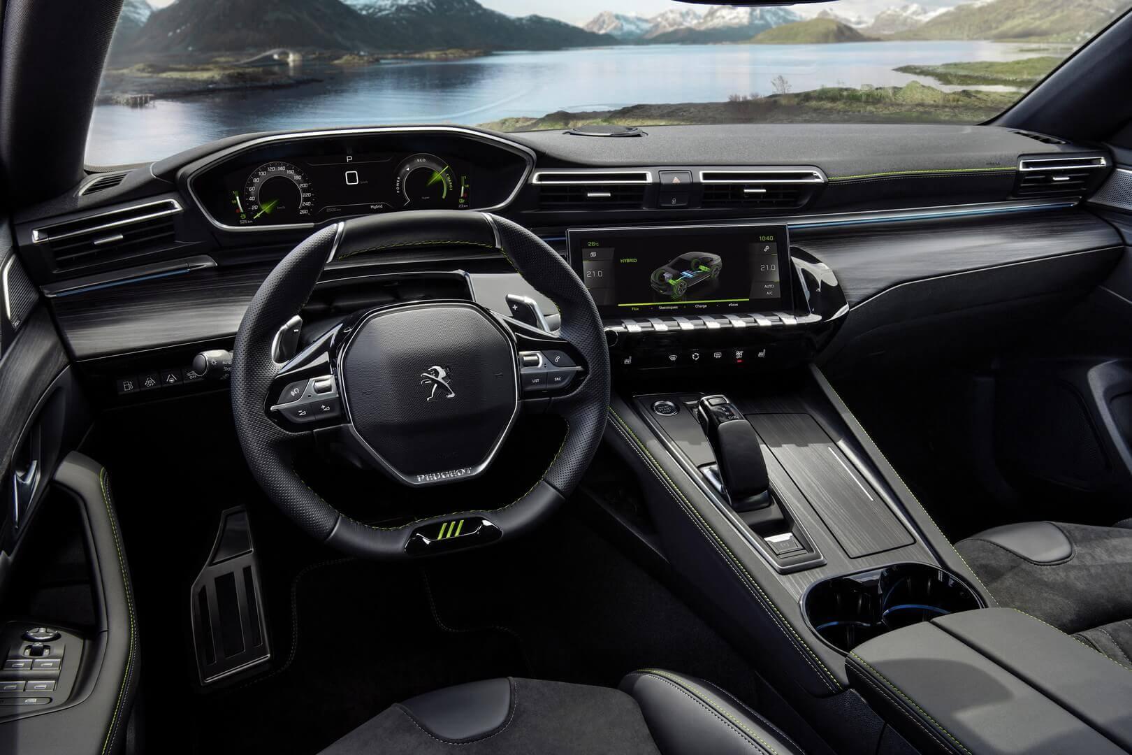 Интерьер Peugeot 508 PSE