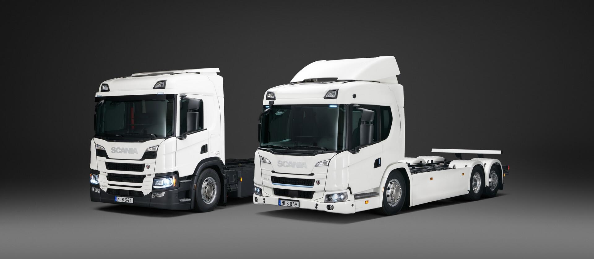 Плагин-гибридный (слева) и полностью электрический грузовик Scania