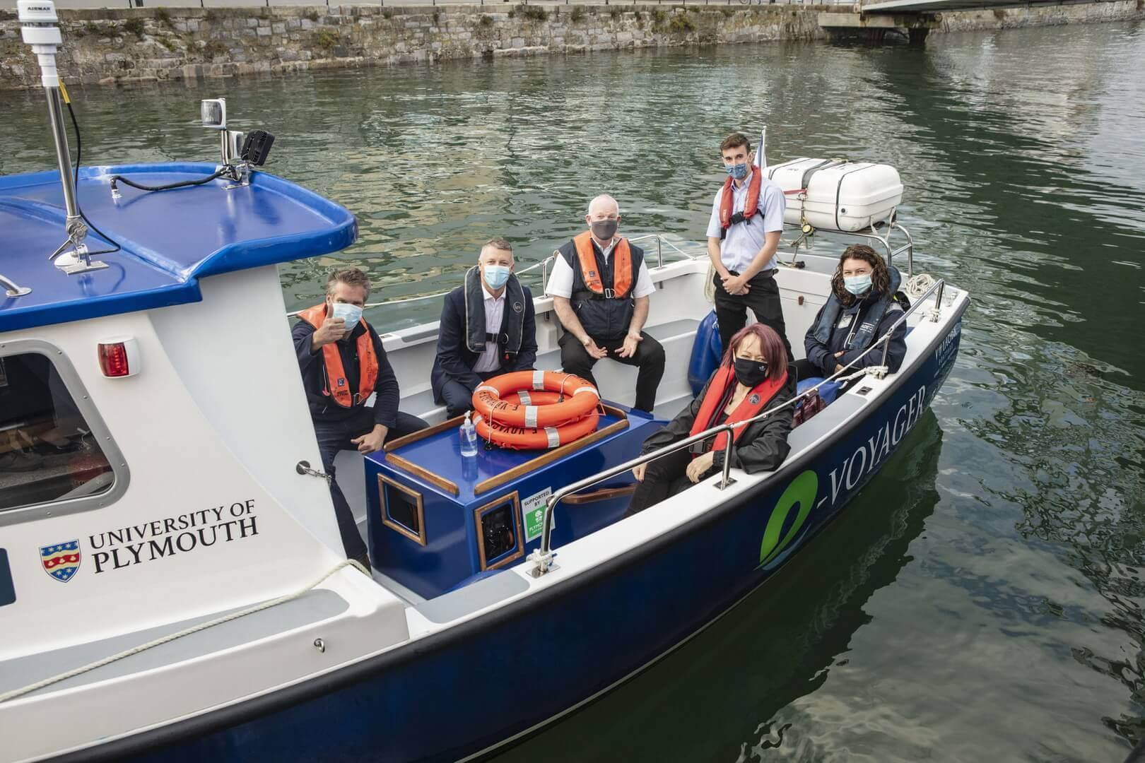Электрический пассажирский катер спустили на воду в Великобритании