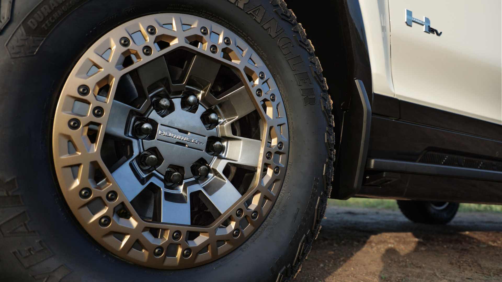 Фотография экоавто Пикап GMC Hummer EV² - фото 16