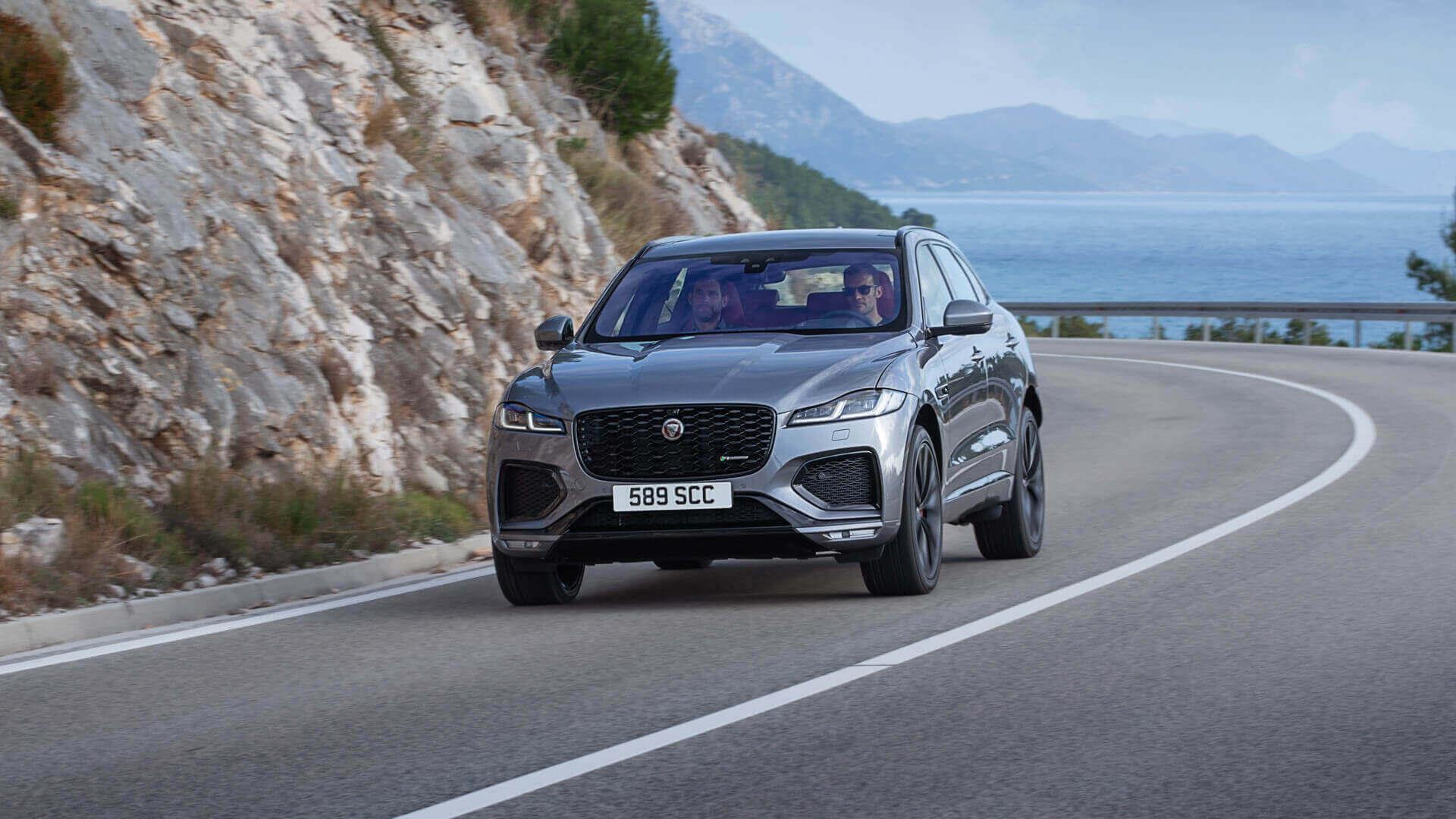 Мягкий гибрид Jaguar F-PACE с бензиновым и дизельным двигателями
