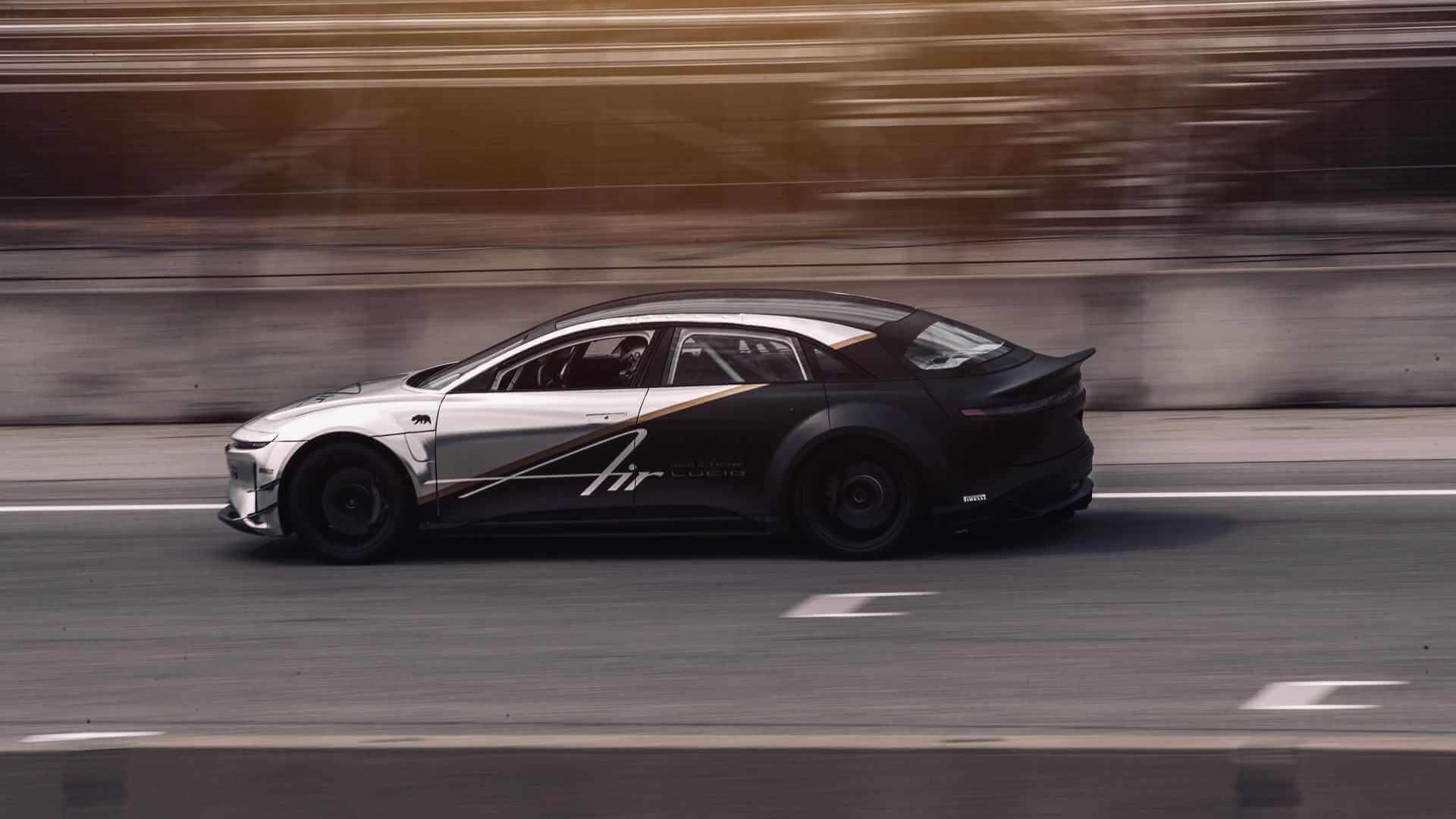 Трехмоторный Lucid Air стал еще ближе к рекорду Tesla Model S Plaid