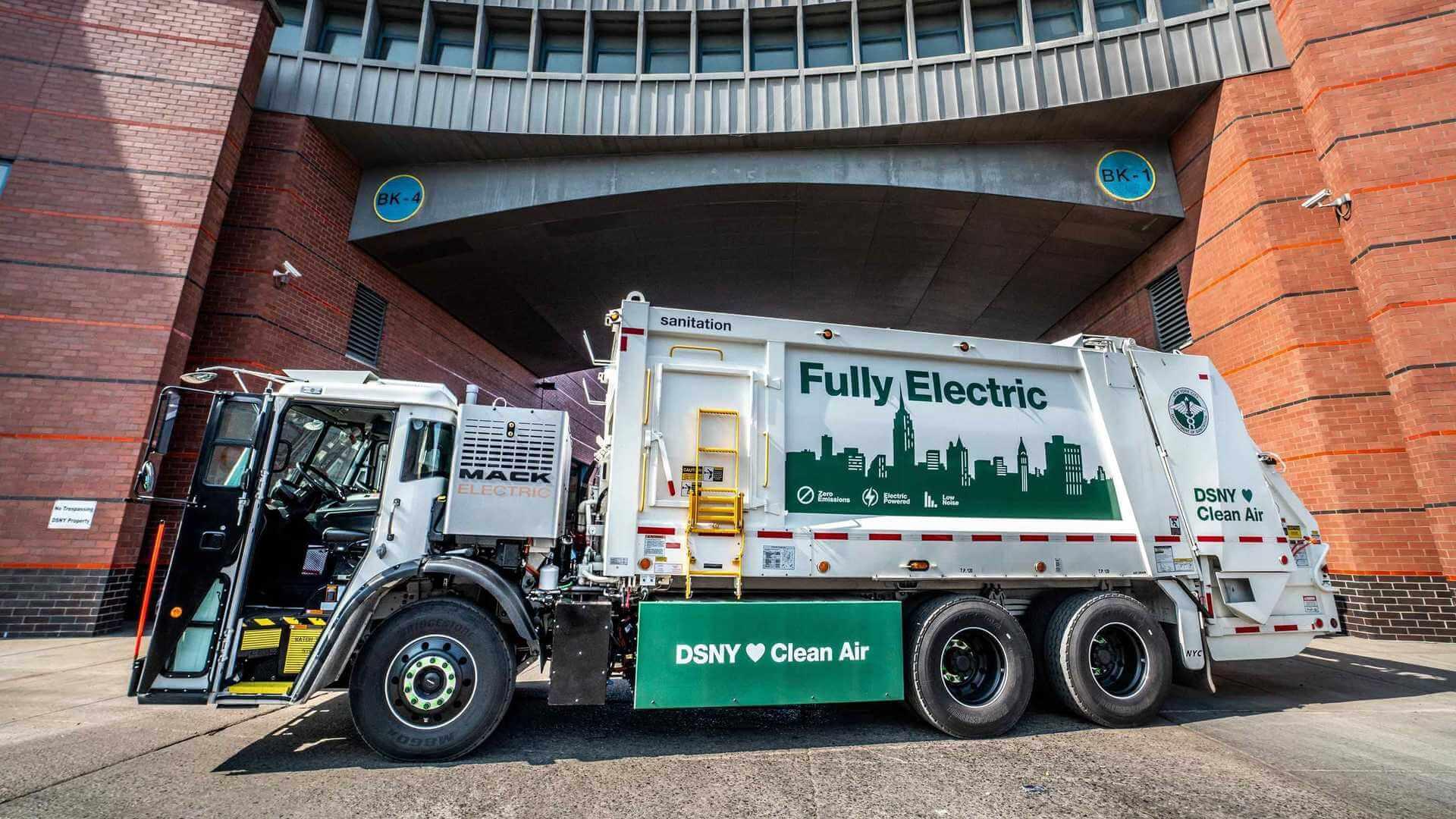 Электрический мусоровоз Mack LR Electric приступил к работе в Нью-Йорке