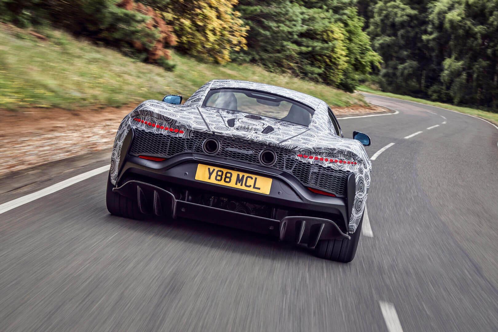 McLaren тестирует высокопроизводительный гибридный суперкар