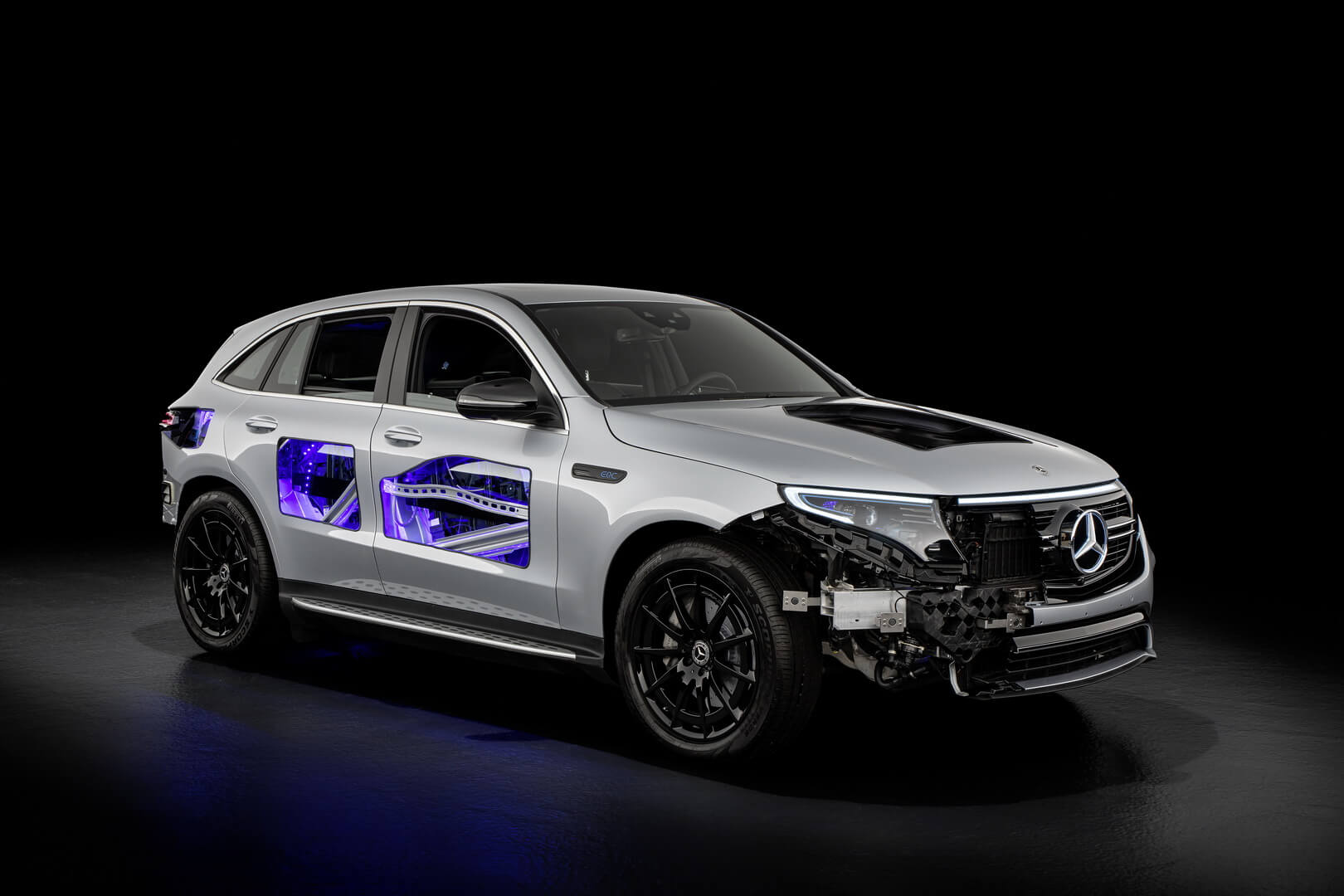 Рентгеновский взгляд на Mercedes-Benz EQC 400 4MATIC
